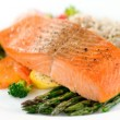 eating salmon with omega 3 to lower cholesterol naturally